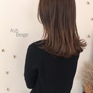 大人可愛い 大人かわいい アッシュベージュ セミロング ヘアスタイルや髪型の写真・画像