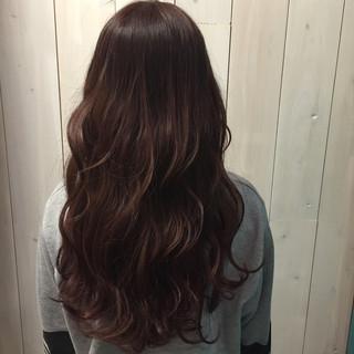 ラベンダーピンク ラフ ウェーブ ロング ヘアスタイルや髪型の写真・画像