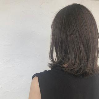 デート アッシュグレージュ ナチュラル ボブ ヘアスタイルや髪型の写真・画像