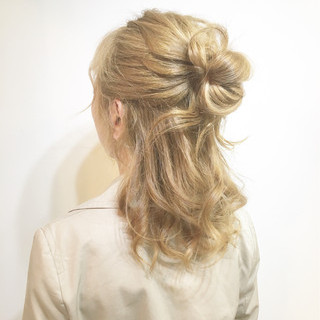 インナーカラー セミロング ナチュラル ヘアアレンジ ヘアスタイルや髪型の写真・画像 ヘアスタイルや髪型の写真・画像