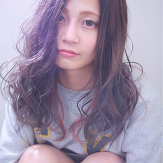 ストリート 外国人風カラー インナーカラー ピンク ヘアスタイルや髪型の写真・画像