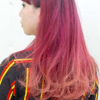 セミロング 冬 ピンク パープル ヘアスタイルや髪型の写真・画像