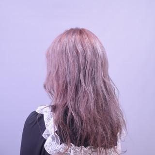 セミロング ラベンダーピンク 外国人風フェミニン フェミニン ヘアスタイルや髪型の写真・画像