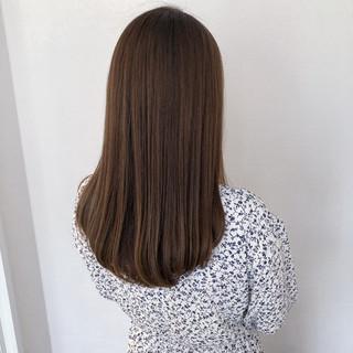 アッシュベージュ シアーベージュ グレージュ セミロング ヘアスタイルや髪型の写真・画像