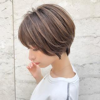 パーマ ショート デート ハイライト ヘアスタイルや髪型の写真・画像