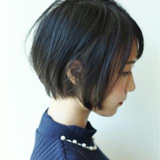 ショート くびれカール 似合わせ 色気 ヘアスタイルや髪型の写真・画像