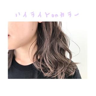 グレージュ モード グラデーションカラー ミディアム ヘアスタイルや髪型の写真・画像
