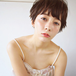 簡単 無造作 外国人風 暗髪 ヘアスタイルや髪型の写真・画像