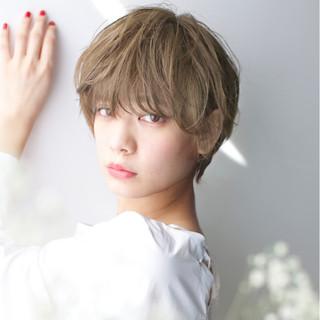 大人女子 アッシュ 小顔 ガーリー ヘアスタイルや髪型の写真・画像