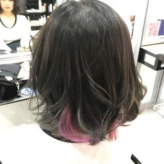 グレージュ インナーカラー ガーリー ボブ ヘアスタイルや髪型の写真・画像