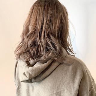 フェミニン 3Dハイライト ダブルカラー 大人可愛い ヘアスタイルや髪型の写真・画像