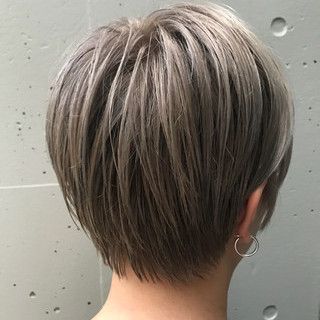 ブリーチ アッシュベージュ アッシュ グレージュ ヘアスタイルや髪型の写真・画像