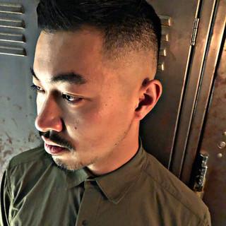 メンズヘア 刈り上げ スキンフェード ナチュラル ヘアスタイルや髪型の写真・画像 ヘアスタイルや髪型の写真・画像