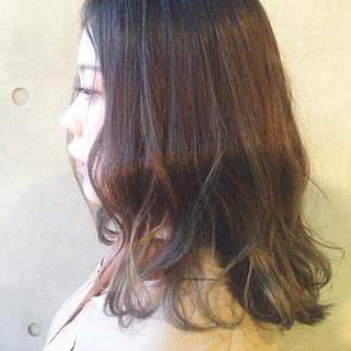 フェミニン アッシュ グラデーションカラー ハイライト ヘアスタイルや髪型の写真・画像