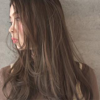 ブラウンベージュ ナチュラル ハイライト セミロング ヘアスタイルや髪型の写真・画像