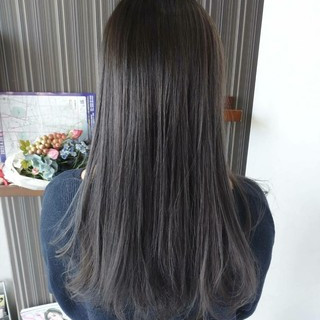 グレージュ グレー セミロング アッシュグレージュ ヘアスタイルや髪型の写真・画像