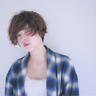外国人風 ショートボブ フェミニン ゆるふわ ヘアスタイルや髪型の写真・画像