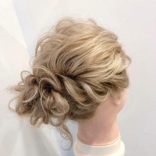 ミディアム ヘアアレンジ 簡単ヘアアレンジ ブライダル ヘアスタイルや髪型の写真・画像 ヘアスタイルや髪型の写真・画像