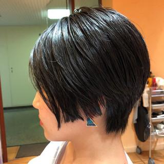 センターパート ショート ナチュラル 黒髪 ヘアスタイルや髪型の写真・画像 ヘアスタイルや髪型の写真・画像