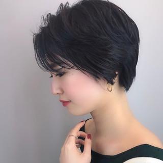 ナチュラル 大人ショート 黒髪ショート パーマ ヘアスタイルや髪型の写真・画像