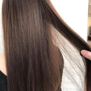 ロング ブラウン 透明感 アッシュ ヘアスタイルや髪型の写真・画像