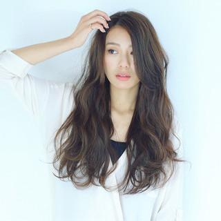 アッシュグレージュ グレージュ 暗髪 ハイライト ヘアスタイルや髪型の写真・画像