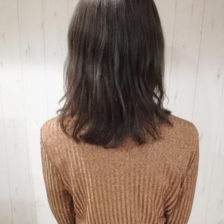 グレージュ 暗髪 透明感 ミディアム ヘアスタイルや髪型の写真・画像