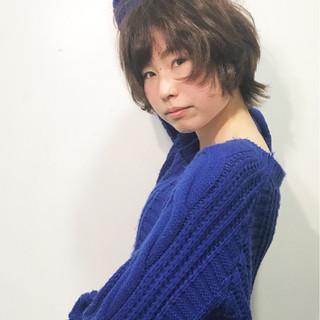 イルミナカラー ウルフカット ショート パーマ ヘアスタイルや髪型の写真・画像