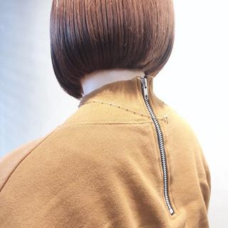 ミルクティーベージュ ナチュラル 切りっぱなしボブ ミニボブ ヘアスタイルや髪型の写真・画像