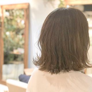 フェミニン 外ハネ 外国人風カラー イルミナカラー ヘアスタイルや髪型の写真・画像