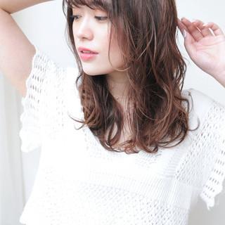 フェミニン パーマ ふんわり前髪 簡単ヘアアレンジ ヘアスタイルや髪型の写真・画像