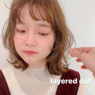 インナーカラー ウルフカット ミルクティーベージュ ナチュラル ヘアスタイルや髪型の写真・画像