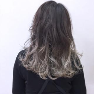 ハイトーン こなれ感 大人女子 小顔 ヘアスタイルや髪型の写真・画像 ヘアスタイルや髪型の写真・画像