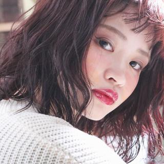 アンニュイほつれヘア 外国人風 ナチュラル ピンク ヘアスタイルや髪型の写真・画像