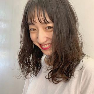 ミディアム ヘアアレンジ デート アウトドア ヘアスタイルや髪型の写真・画像