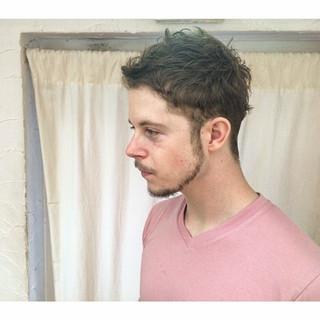 パーマ ストリート 外国人風 メンズ ヘアスタイルや髪型の写真・画像