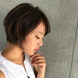 小顔ショート ハンサムショート ナチュラル ショート ヘアスタイルや髪型の写真・画像