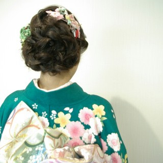 成人式 花 セミロング ゆるふわ ヘアスタイルや髪型の写真・画像