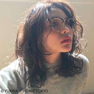 外国人風 ヘアアレンジ 暗髪 ミディアム ヘアスタイルや髪型の写真・画像