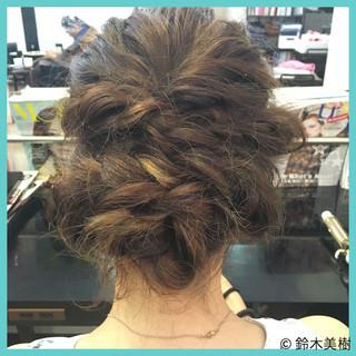 ショート 簡単ヘアアレンジ インナーカラー ねじり ヘアスタイルや髪型の写真・画像