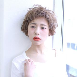 ブラウン 前髪あり 外国人風 ショート ヘアスタイルや髪型の写真・画像