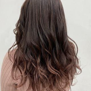 ピンクベージュ ピンクカラー 春 ロング ヘアスタイルや髪型の写真・画像