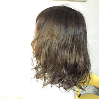 ラフ パーマ 春 アッシュ ヘアスタイルや髪型の写真・画像 ヘアスタイルや髪型の写真・画像