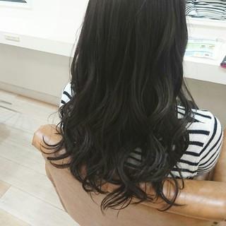 暗髪 ナチュラル アッシュグレージュ ロング ヘアスタイルや髪型の写真・画像