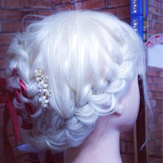 ヘアアレンジ セミロング エレガント 上品 ヘアスタイルや髪型の写真・画像