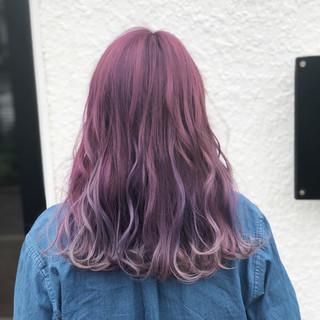 ピンク ラベンダーピンク 透明感 外国人風 ヘアスタイルや髪型の写真・画像