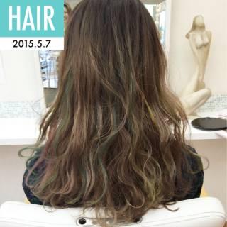 インナーカラー ウェーブ ロング ストリート ヘアスタイルや髪型の写真・画像