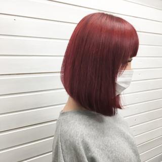 レッド 赤髪 ボブ マニキュア ヘアスタイルや髪型の写真・画像