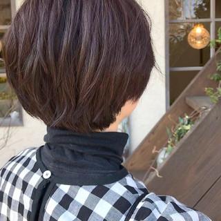 カシスレッド レッドブラウン マッシュショート ショート ヘアスタイルや髪型の写真・画像