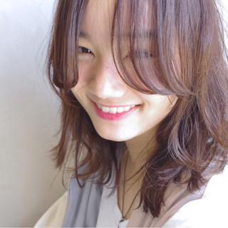 ピンク ロブ レイヤーカット パーマ ヘアスタイルや髪型の写真・画像